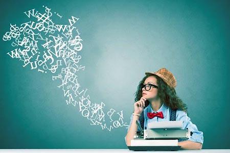 Junge, kreative Texterin